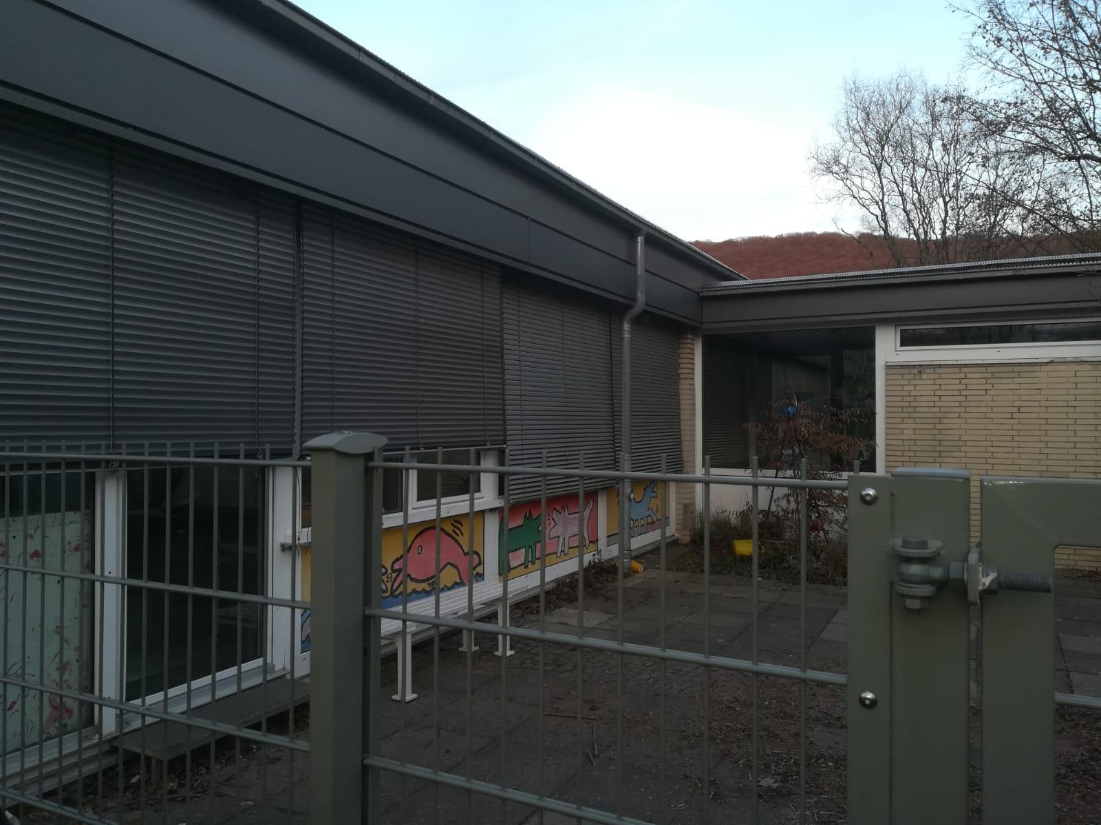 Einer der Innenhöfe der Pestalozzischule. Hier wurde in der Nacht vor der Begehung eingebrochen.