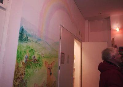 Wanddekorationen im Mehrgenerationenhaus.