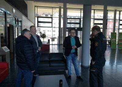 Begrüßung durch den Kommandanten der Feuerwehr Mannheim, Karlheinz Gremm und dem Abteilungsleiter Katastrophenschutz/Verwaltung, Klaus Handermann.